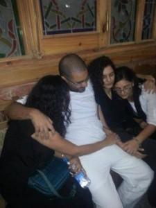 منى وسناء وعلاء وزوجة علاء